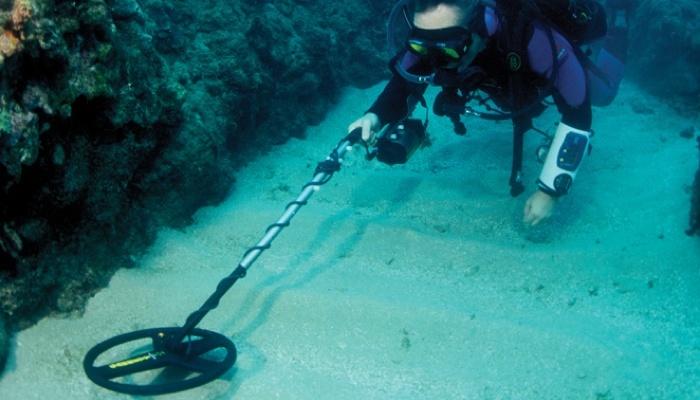 Are Metal Detectors Waterproof? Some Useful Suggestion for Underwater Metal Detecting 3