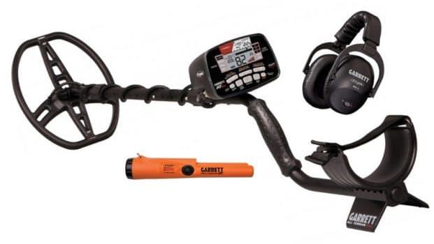 Garrett AT Max metal detector kit